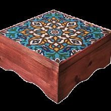 گزمظفری ۴۰% پسته بیدمشکی لقمه ای مخصوص  | جعبه چوبی و کاشی دستساز نفیس