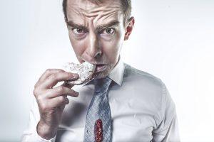 ۵ دروغی که در مورد خوردن گز به شما گفتهاند